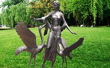 女人与仙鹤